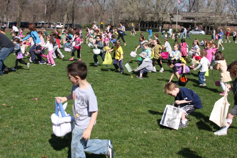 Young children having fun at the Easter event 4