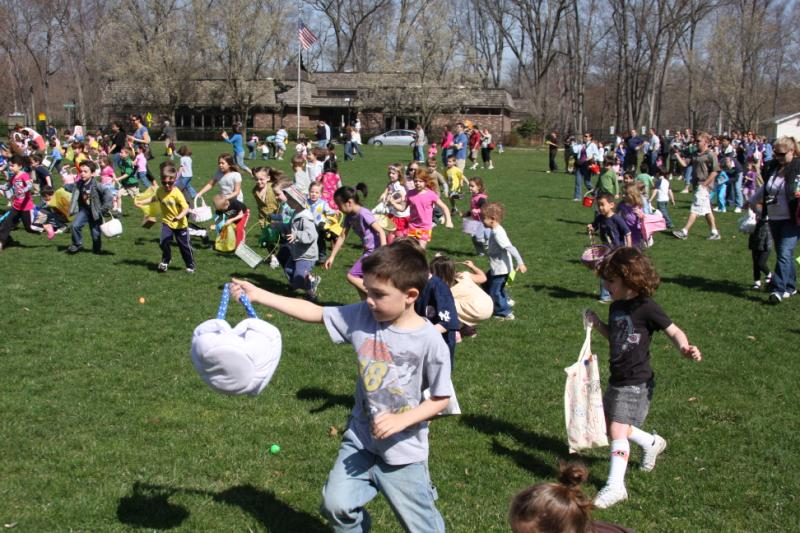 Young children having fun at the Easter event 3